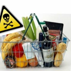 5 cibi cancerogeni che consumiamo di più