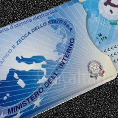 Carta d'identità elettronica: chi può richiederla, come farlo e quanto costa
