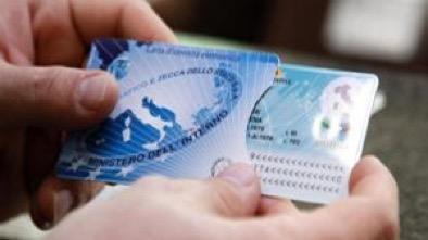 Carta d'identità elettronica- chi può richiederla, come farlo e quanto costa